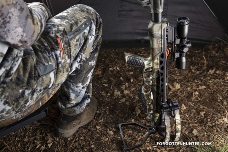 CenterPoint CP400 Crossbow Review - Cheap & Compact Crossbow