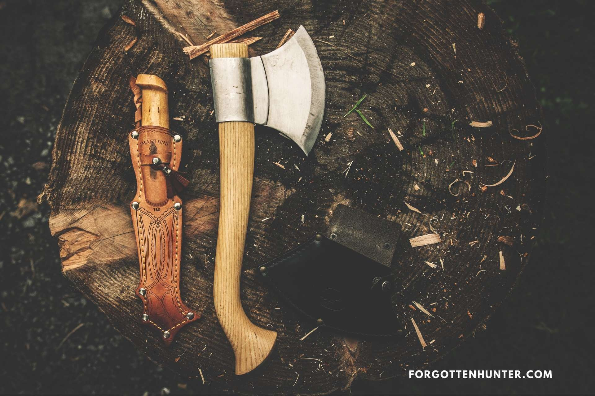 Free Neck Knife Review - Knife for Hunting, Survival, Self-Defense and Outdoors