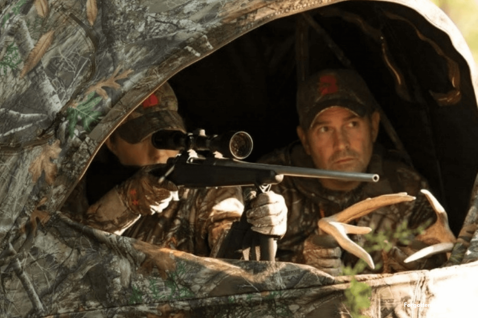 A hunting blinds is good for helping inexperienced hunters