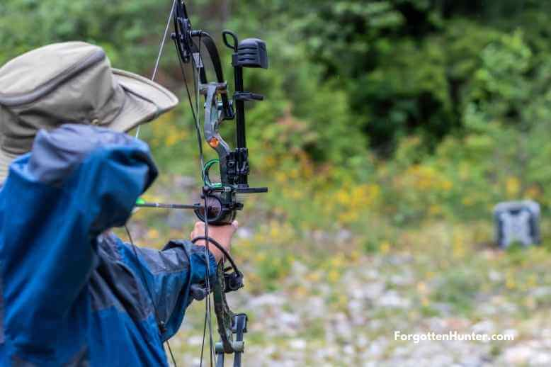 Target shooting with bow mounted quiver